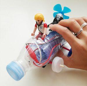coche con botella de plástico